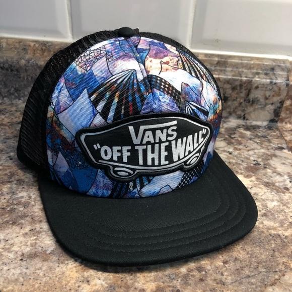 fdb0d99c340 Vans Off The Wall beach girl trucker hat